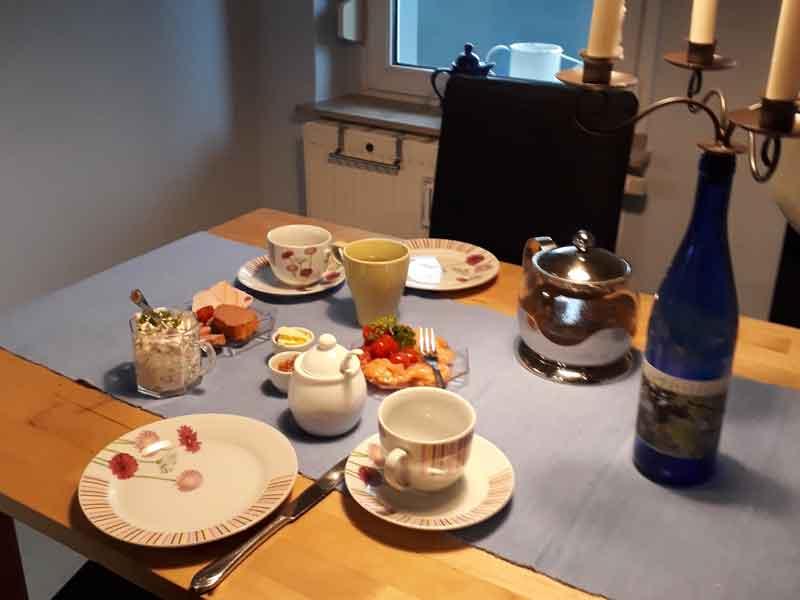 Küche mit Esstheke der Villa Faltenfrei Radebeul
